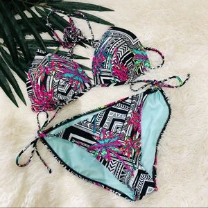 Other - 2 Piece Tropical Floral Leaves Bikini Swimsuit L